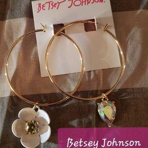 Betsey Johnson Hoops NWT